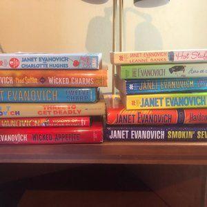 Lot of 12 Janet Evanovich Books
